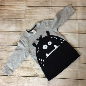 Cute H&M Monster Sweatshirt ( Q2022)